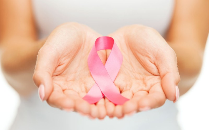 Low breast density worsens prognosis in breast cancer