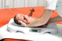 Does a woman's own birthweight affect her risk for pregnancy complications?