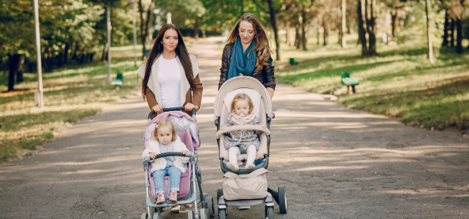 NCT's new Walk and Talk groups are boosting parents' wellbeing